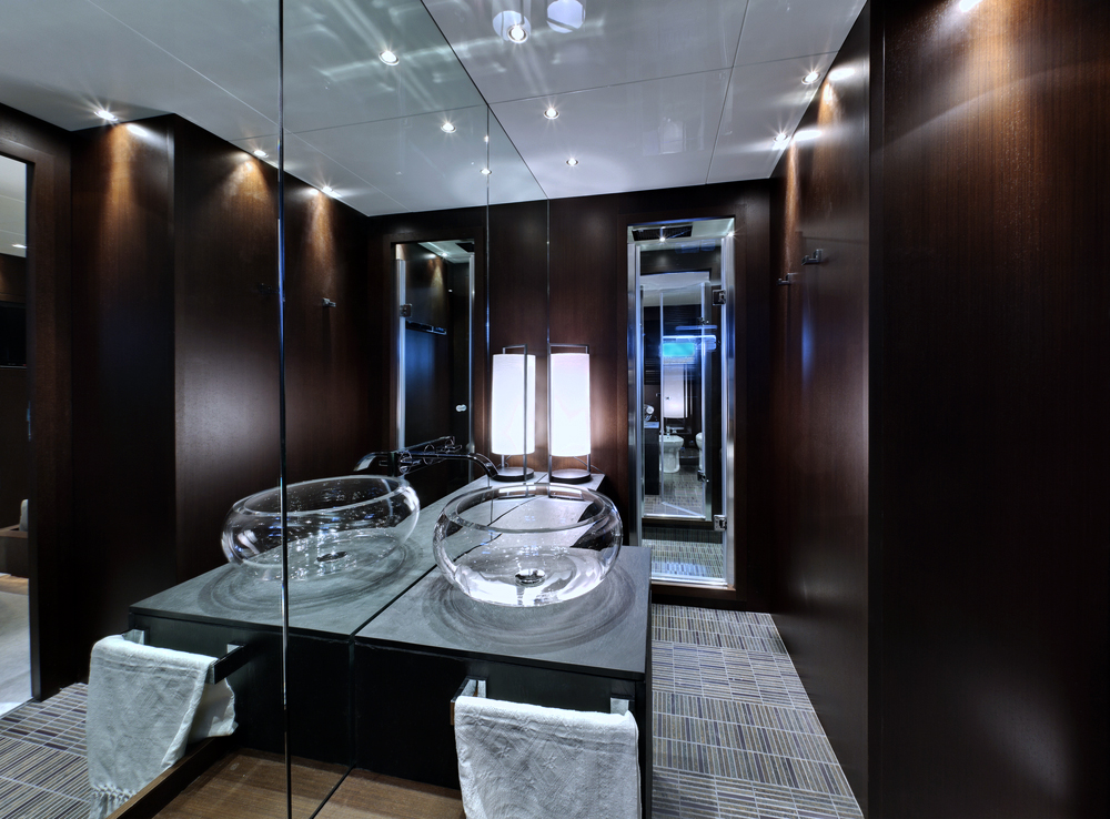 submarine hotel - uboat lovers deep