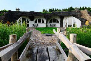 Hobbit House Travel